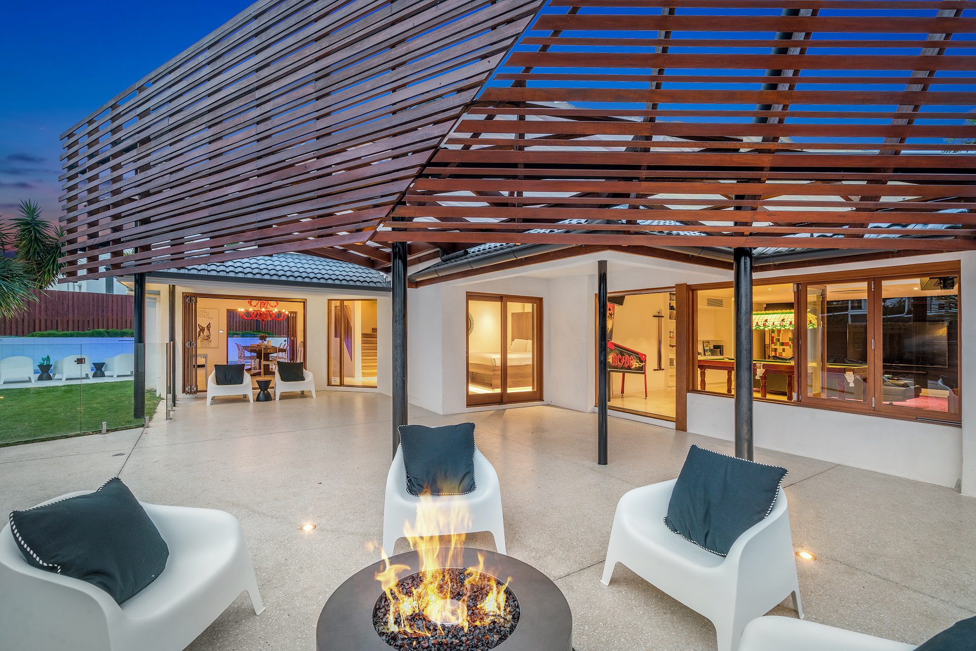 Byron Bay Luxury Holidays - OneCoral - Contemporary Beach Living