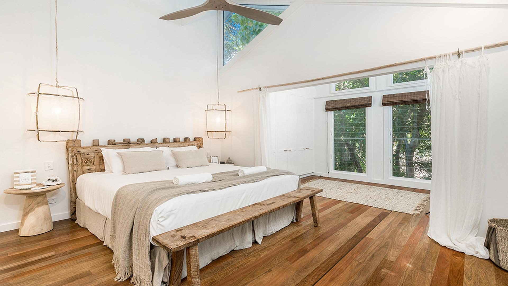 Byron Bay Luxury Holidays - Bel Ombre - Palm Tree Retreat